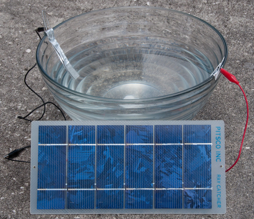 Electrolysis using a PV panel